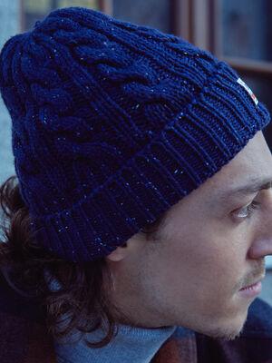 Bonnet tricote a torsades bleu marine homme