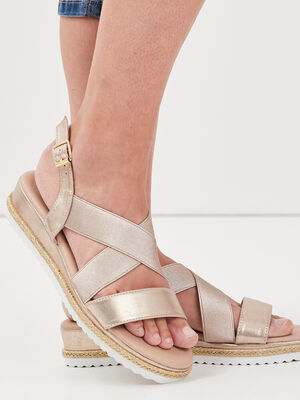 Sandales plates compensees couleur or femme