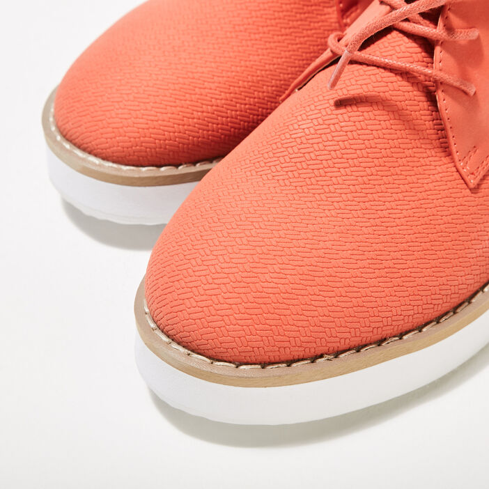 Derbies plates texturées orange corail femme