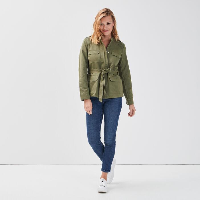 Veste droite ceinturée brodée vert kaki femme