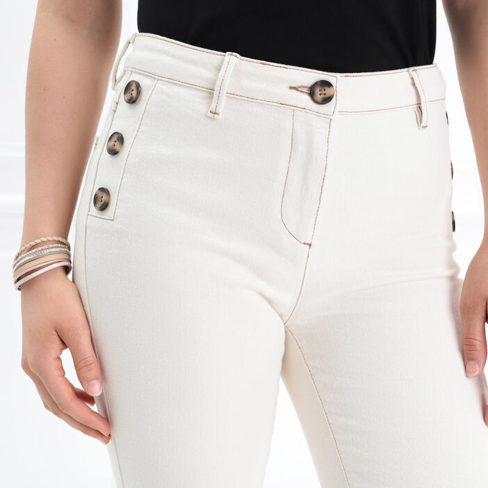 Pantalon ajusté boutons poche creme femme