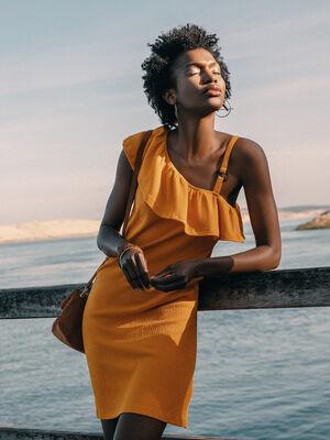 Robe evasee asymetrique jaune or femme