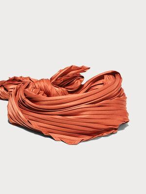 Foulard carre plisse orange fonce femme