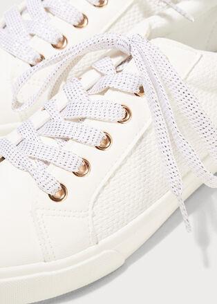 Baskets plates detail texture blanc femme