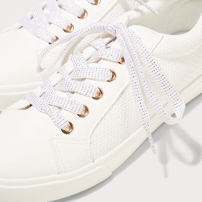 Baskets plates détail texturé blanc femme