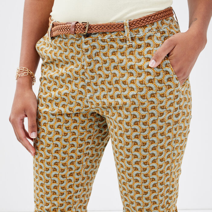 Pantalon chino ceinturé marron femme