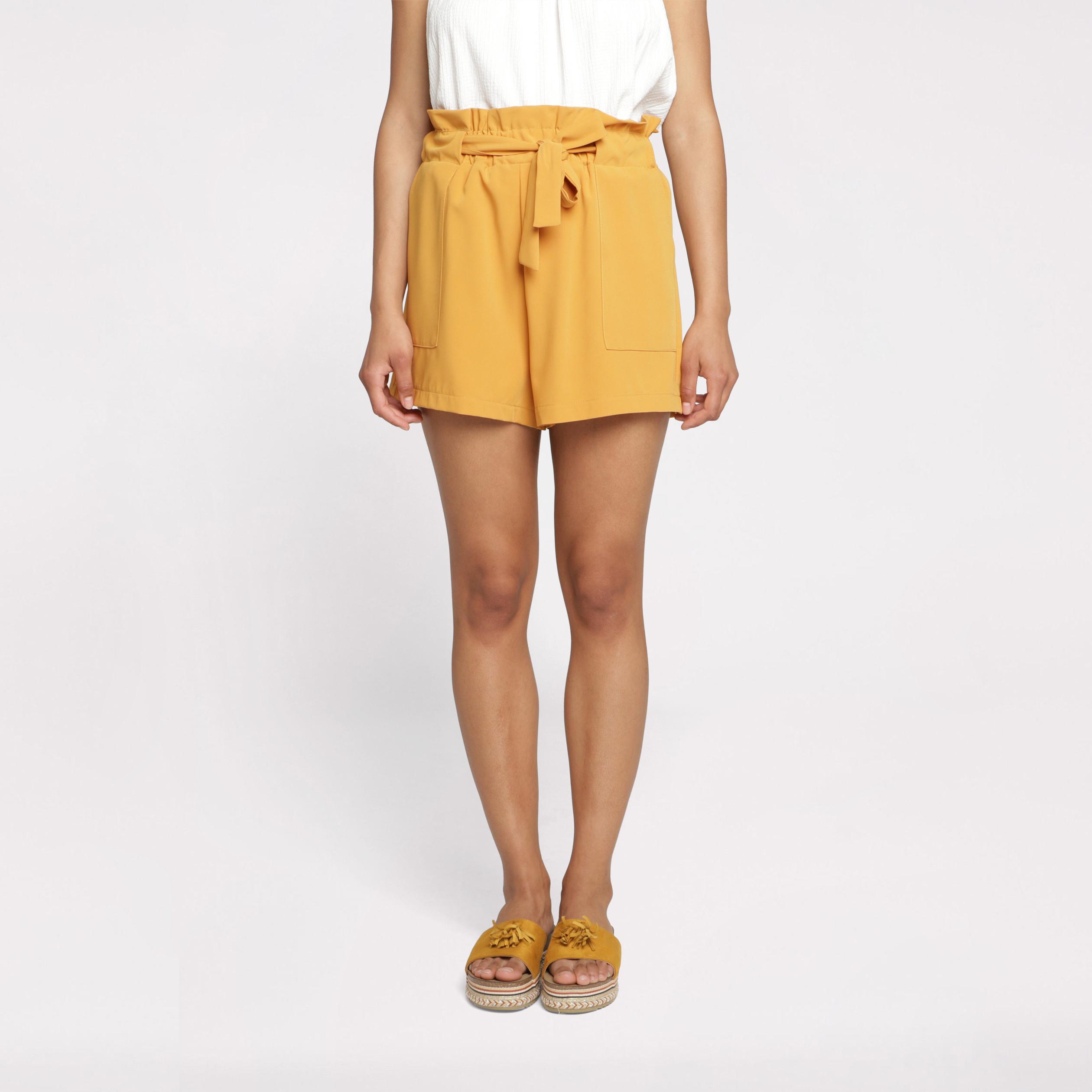 Short fluide taille standard jaune or femme