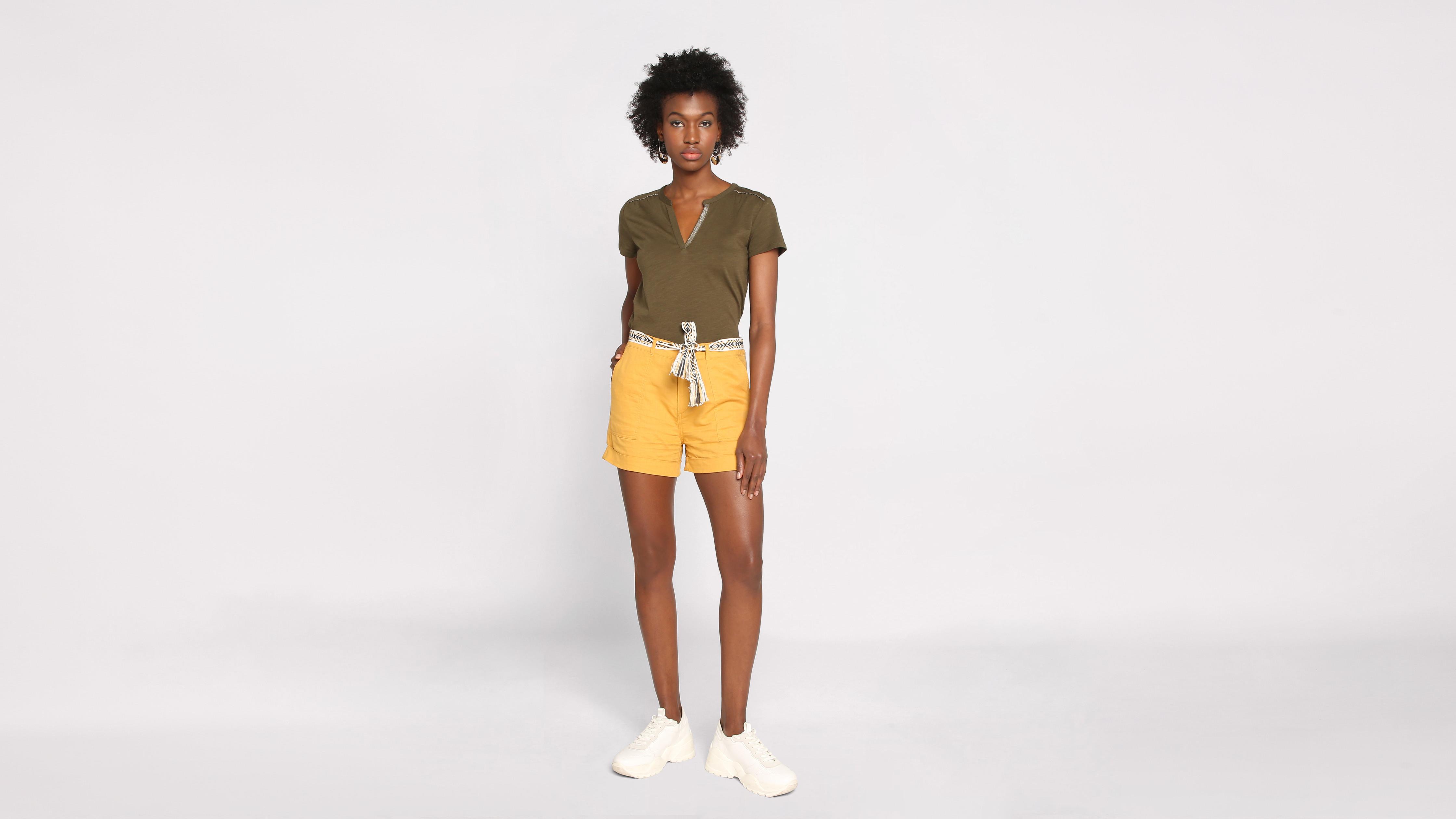 Short droit ceinturé jaune or femme | Vib'